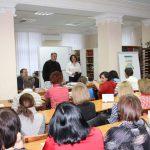 Людмила Рюміна, завідувач відділу читального залу, розпочинає захід