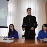 Вірші декламує артист обласної філармонії Андрій Оленин