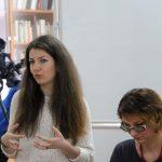 Анна Яблучна, менеджер видавничого центру «Академія» (Київ), знайомить присутніх з новинками літератури для підлітків