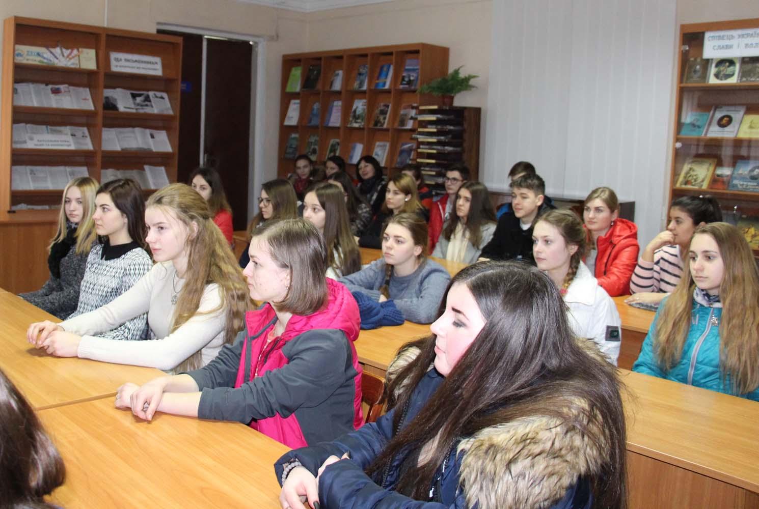 Учасники тренінгу – студенти Тернопільського кооперативного технікуму, факультет дизайну.